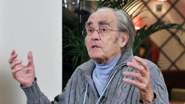 Французский композитор, дирижер и аранжировщик Мишель Легран