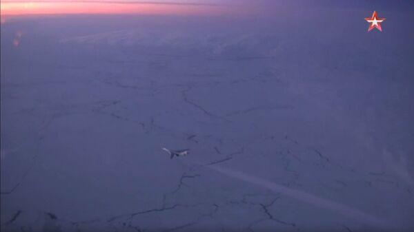 Полет Ту-160 над Арктикой. Стоп-кадр