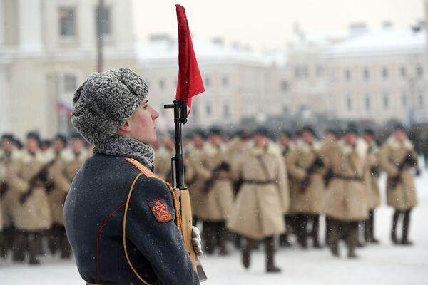 Участник парада в честь 75-летия снятия блокады Ленинграда на Дворцовой площади в Санкт-Петербурге. 27 января 2019