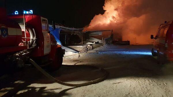 Пожар на складе пиломатериалов в Томске