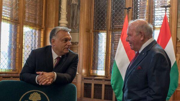 Посол США в Венгрии Дэвид Корнстейн и премьер-министр Венгрии Виктор Орбан. 10 сентября 2018