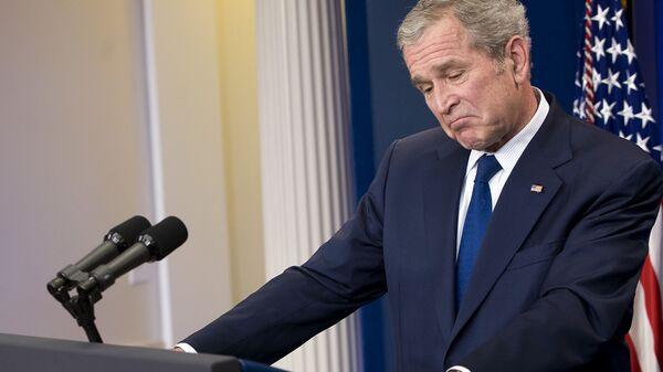 Президент США Джордж Буш во время пресс-конференции в Вашингтоне. 2009 год