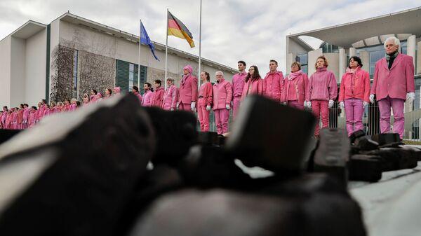 Акция протеста активистов экологической организации Greenpeace у здания правительства в Берлине