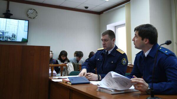 Заседание по рассмотрению жалобы на арест сенатора Рауфа Арашукова в Московском городском суде