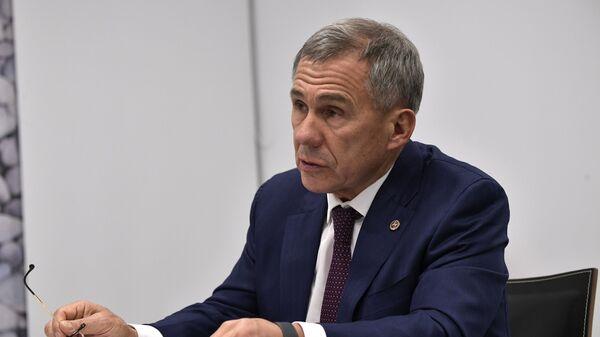 Глава Татарстана подал документы в избирком для выдвижения на новый срок