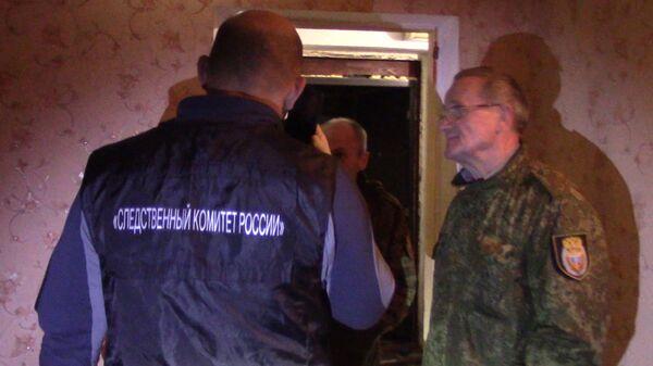 Сотрудники СК РФ на месте двойного убийства в Севастополе