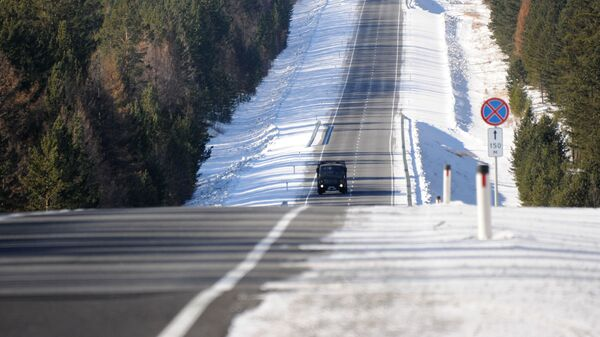 Автомобили на федеральной автомобильной дороге Байкал