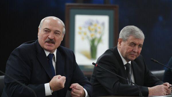 Президент Белоруссии Александр Лукашенко во время встречи с президентом РФ Владимиром Путиным в образовательном центре Сириус в Сочи