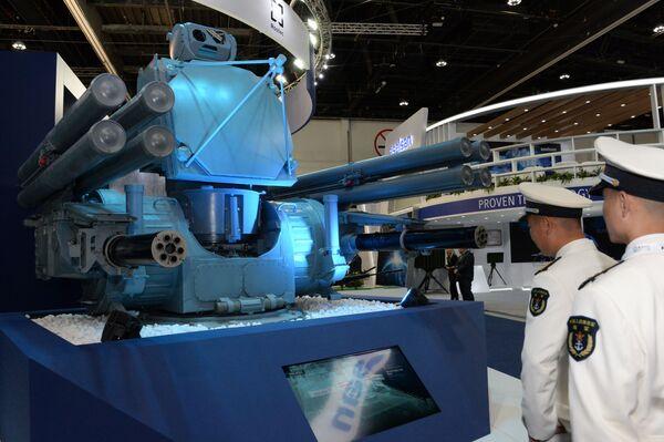 Корабельный зенитный ракетно-артиллерийский комплекс (ЗРАК) Панцирь-МЕ на международной выставке вооружений IDEX-2019 в Абу-Даби