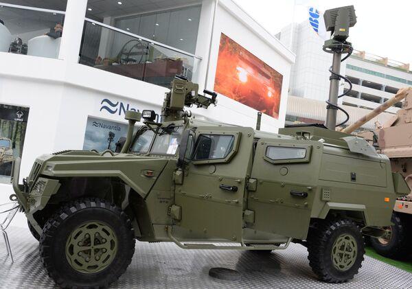 Испанский колёсный полноприводный внедорожник VAMTAC ST5 на международной выставке вооружений IDEX-2019 в Абу-Даби