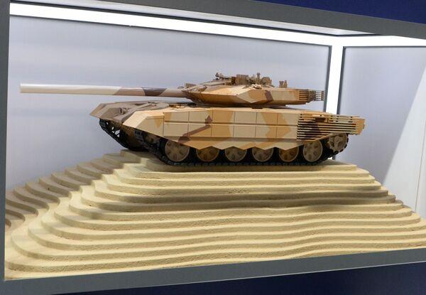 Макет российского танка Т-90МС на международной выставке вооружений IDEX-2019 в Абу-Даби