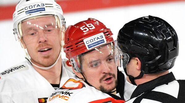 Райан Стоу (слева) и Иван Вишневский