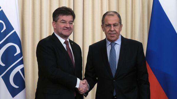 Министр иностранных дел РФ Сергей Лавров и министр иностранных дел Словакии Мирослав Лайчак во время встречи в Москве.