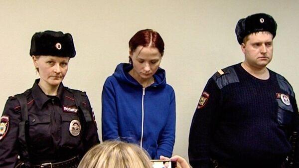 Надежда Куликова, оставившая на ночь шестилетнего сына в парке Лосиный остров во время избрания меры пресечения в Преображенском районном суде Москвы. 20 февраля 2019