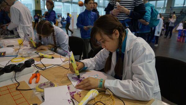 Работа с раскаленным пластиком на Всероссийском фестивале АртСайнс