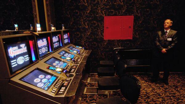 Игровые автоматы в казино Оракул, расположенном в игорной зоне Азов-Сити на границе Краснодарского края и Ростовской области