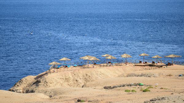 Вид на пляж в Шарм-эль-Шейхе