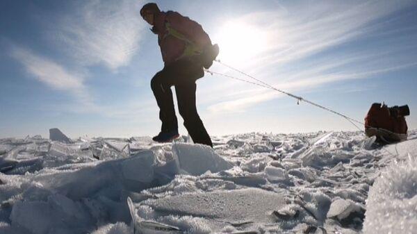 Экстремалка из Швеции в одиночку прошла по льду Байкала 700 км