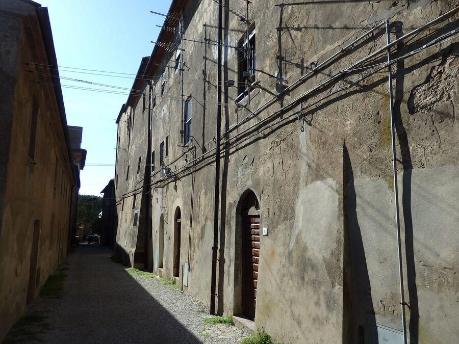 Тоскана. Популония. Средневековый город