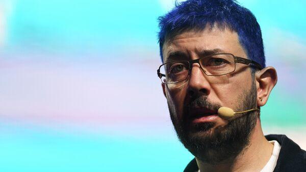 Артемий Лебедев на бизнес-форуме Амоконф