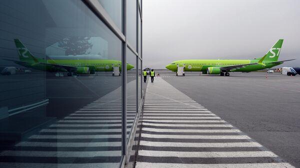 Самолет Boeing 737 MAX 8 авиакомпании S7