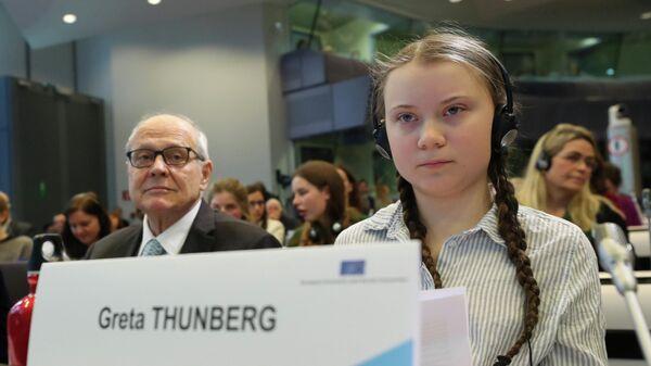 Шведская школьница Грета Турнберг на конференции в Брюсселе