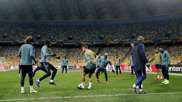 Тренировка Челси на Олимпийском стадионе в Киеве перед матчем Лиги Европы против Динамо