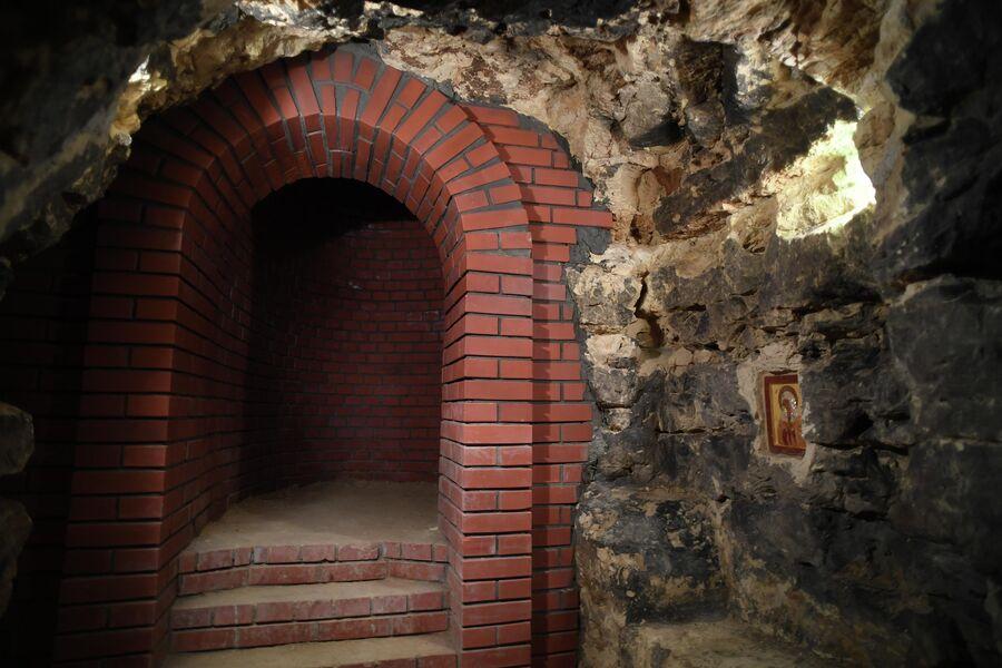 Под землей Саровского монастыря