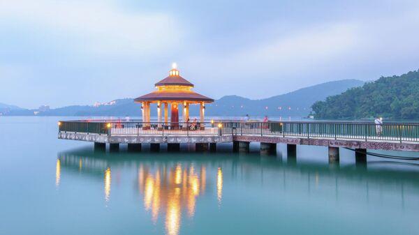 Озеро луны и солнца, национальный парк Тароко, Тайвань