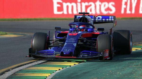 Квят врезался в два болида на первом круге гонки Гран-при Китая