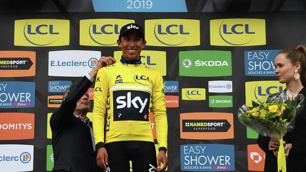 Колумбийский велогонщик Эган Берналь из команды Sky