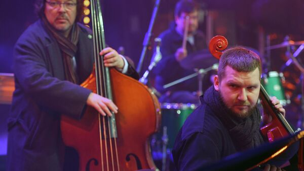 Музыканты СимфоJazz братьев Ивановых выступают на Koktebel Jazz Party фестиваля Крымская весна