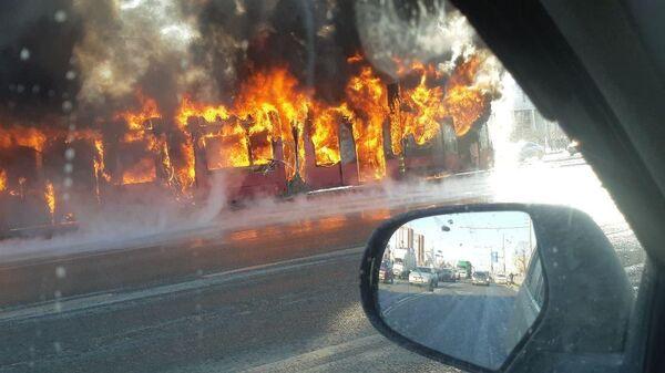 Возгорание трамвая у парка Победы в Казани, Татарстан. 18 марта 2019