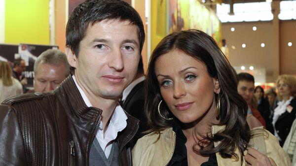 Футболист Евгений Алдонин и певица Юлия Началова. 2010 год