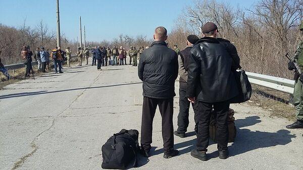 Власти ЛНР передали Киеву 60 заключенных, осужденных до конфликта в Донбассе