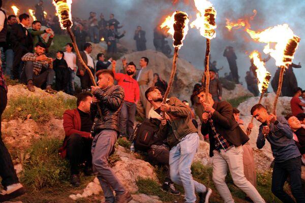 Иракские курды празднуют Новруз в городе Акра