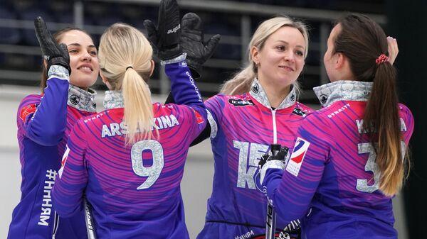 Анастасия Брызгалова,  Галина Арсенькина, Алина Ковалева и Екатерина Кузьмина (слева направо)