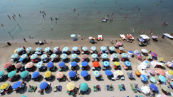 Пляж в Дурресе, Албания