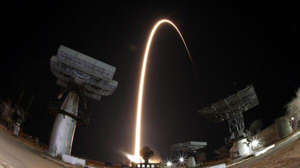 Старт ракеты-носителя Союз-ФГ с космодрома Байконур