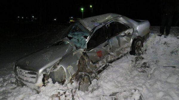 В Чувашии возле деревни Кармамеи Канашского района поезд Москва-Казань раздавил застрявший на путях автомобиль