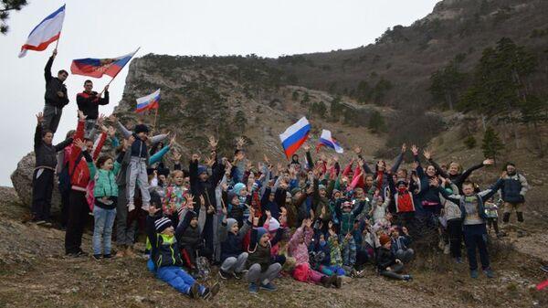 Воспитанники детско-юношеского спортивного клуба Титан