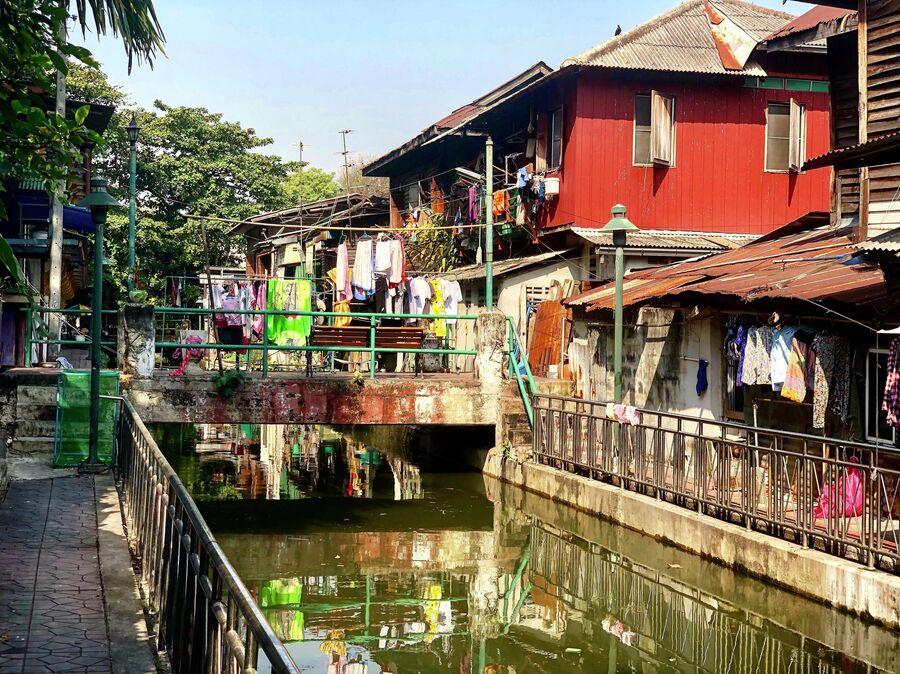Канал в историческом центре Бангкока, Таиланд