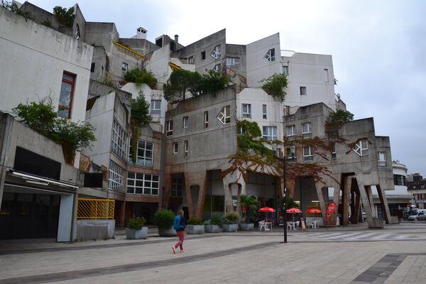 Жилой комплекс Жана Ренодье в Иври-сюр-Сен во Франции