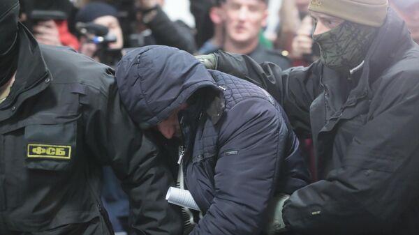 Член бандгруппы Магомедали Вагабова, причастной к терактам в московском метро в 2010 году, Магомед Нуров после окончания заседания суда. 28 марта 2019