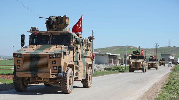Колонна турецкой военной техники в провинции Алеппо, Сирия