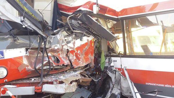 Трамвай и троллейбус столкнулись в городе Брно на юго-востоке Чехии