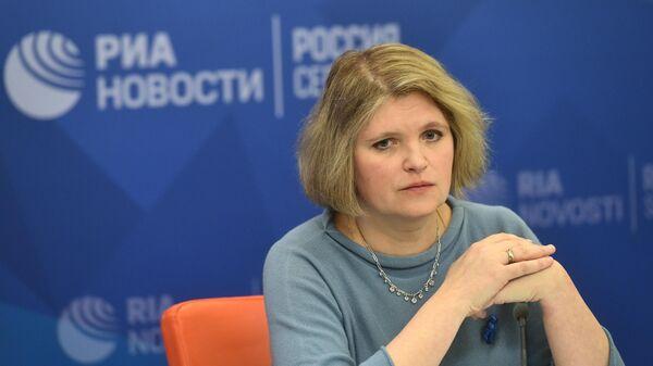 Авдотья Смирнова во время пресс-конференции, приуроченной к Всемирному дню распространения информации об аутизме в ММПЦ МИА Россия сегодня
