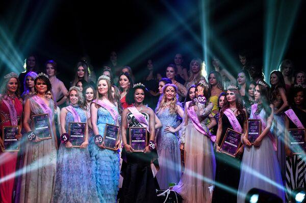 Победительницы финала конкурса красоты Miss International Mini 2019