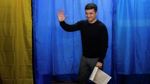 Владимир Зеленский на избирательном участке в Киеве