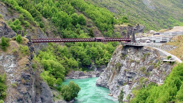 Подвесной мост Каварау в Новой Зеландии